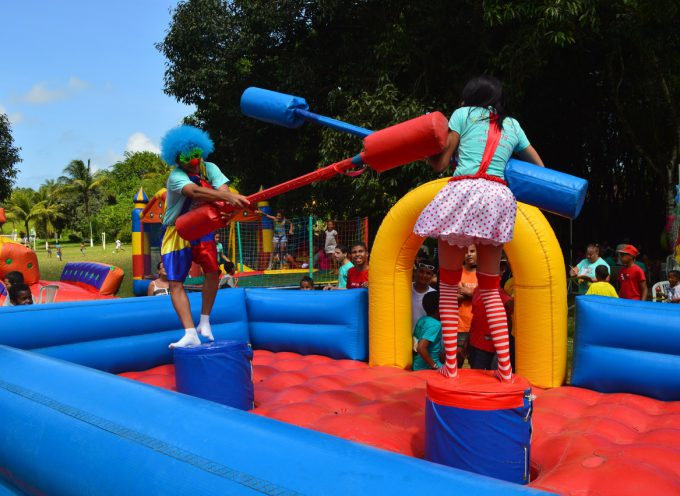 amusement-park-clown-festival-fun-performance-water-park-654627-pxhere.com (2)